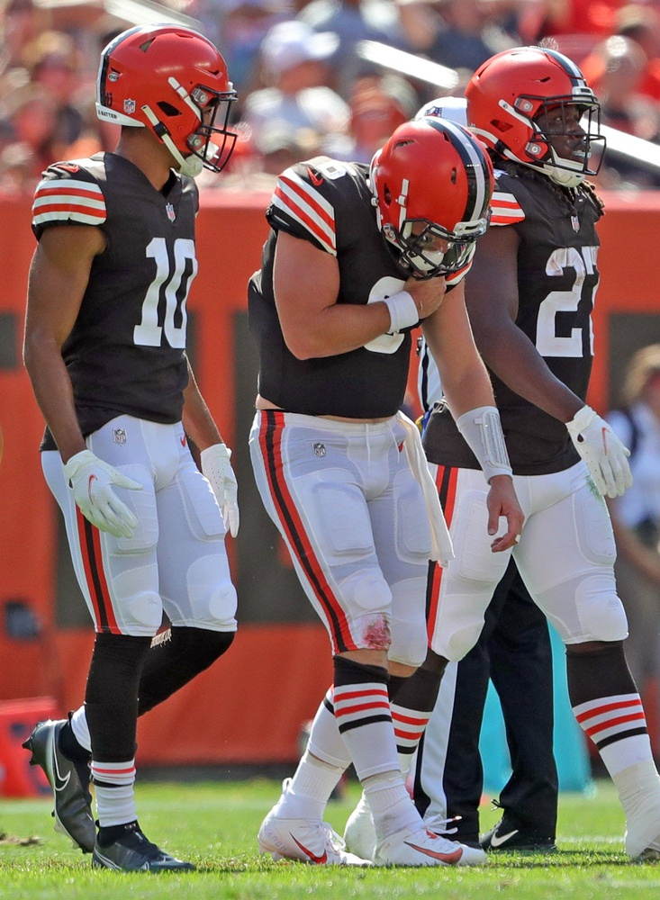 Mayfield says shoulder injury 'nothing too serious' as Browns beat Texans